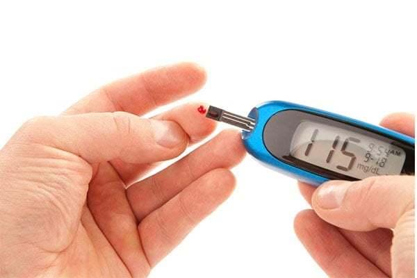 Tiểu đường hay đái tháo đường, là một bệnh mãn tính với biểu hiện lượng đường trong máu của bạn luôn cao hơn mức bình thường do cơ thể của bạn bị thiếu hụt hoặc đề kháng với insulin, dẫn đến rối loạn chuyển hóa đường trong máu.