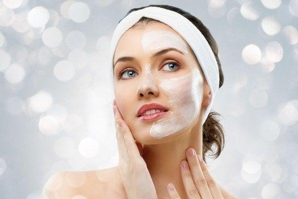Rửa mặt là bước không thể thiếu trong chu trình skincare